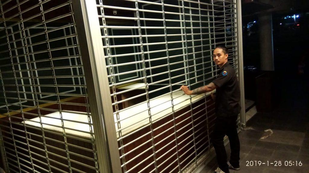 Service Rolling Door